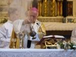 Incensar ofrendas y altar